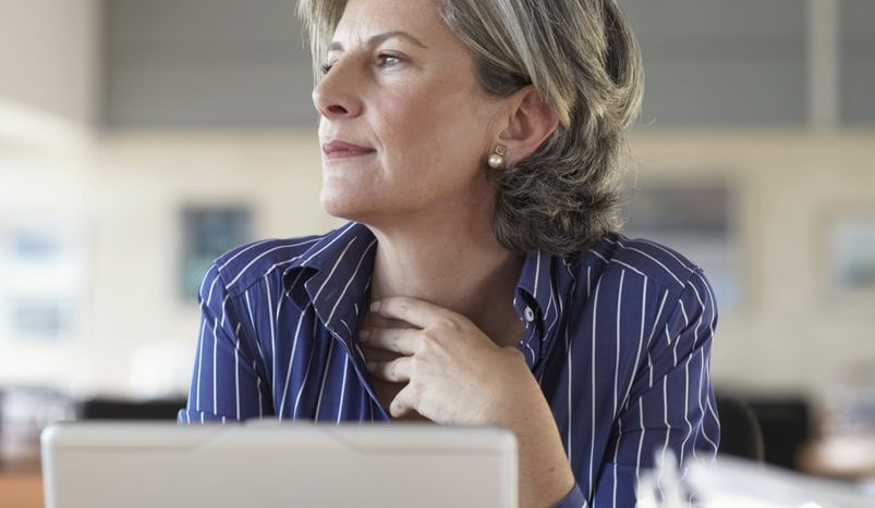 HOW TO WRITE A RETIREMENT LETTER TO COWORKERS (WITH SAMPLE)